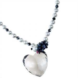 CRYSTAL HEART & PEARLS NECKLACE